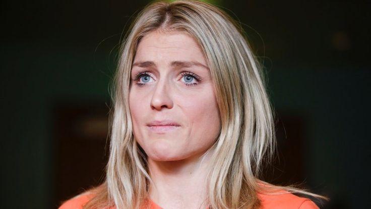 Therese Johaug http://www.spiegel.de/sport/wintersport/skilanglauf-therese-johaug-drohen-14-monate-doping-sperre-a-1123598.html