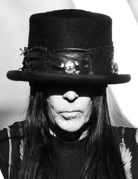 mick mars, have my babies.