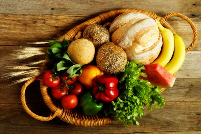 The best thing for oily skin is to have a low-fat diet with plenty of protein. Things like whole grains, fresh fruits and green vegetables are great.  Thanks to:  http://www.bodyandsoul.com.au/beauty/body/galleries/6+natural+skin+care+tips,25434?p=3