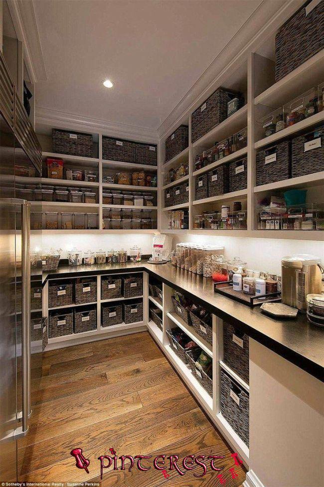 Die Lowes Wissen Sicher Wie Man Eine Speisekammer Mit Mehr Stauraum Als Die Meisten Kitchen Kitchen Pantry Design Kitchen Pantry Design Kitchen Pantry