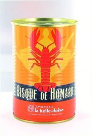 Kreeftenbisque van La Belle-Iloise.  Kreeftenbisque of wel geconcentreerde kreeftensoep    Een vleugje van cognac, een subtiele toon van curry…. En de unieke smaak van kreeft. Twee jaar onderzoek was er voor nodig om deze nieuwe receptuur te verfijnen met zijn subtiele aroma's en souplesse. Een groot aanwinst voor de fijnproevers.  Recept:  http://www.bommelsconserven.nl/recepten/soep_recepten/bisque_van_kreeft_met_krab_en_sinaasappelzeste.html