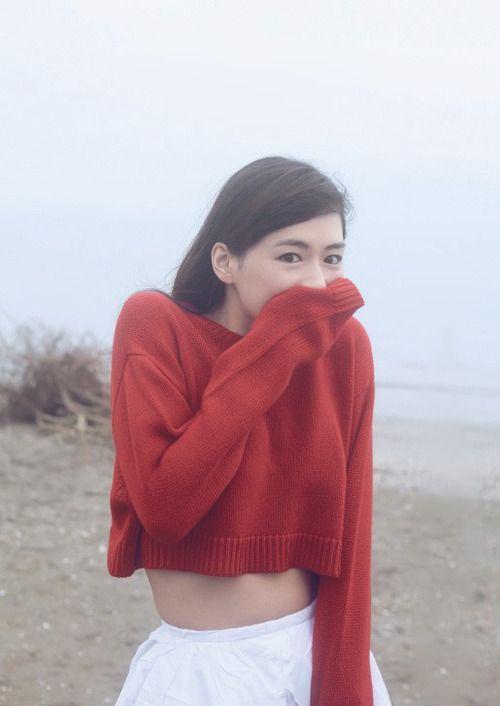 綾瀬はるか (Haruka Ayase): Weekly Playboy - Oct 20, 2014 http://licoricewall.tumblr.com/tagged/haruka%20ayase