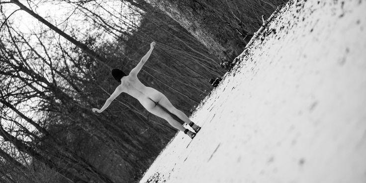 Ein Projekt aus Leipzig mit Fotografien und Texten zum Thema Körperbilder und Körperwahrnehmung - aus weiblicher Perspektive. Wir möchten mit unserer Ausstellung einen Raum zum offenen und ehrlichen Gespräch und Austausch über Körper eröffnen.