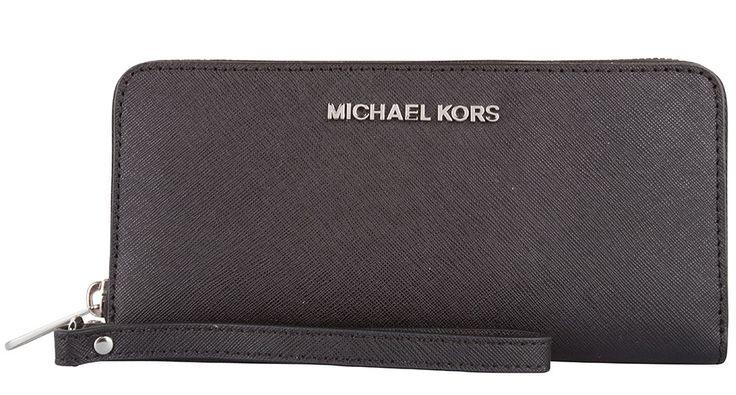 De Jet Set Travel portemonnee van Michael Kors is de perfecte match bij je Michael Kors tas! (€149,95)