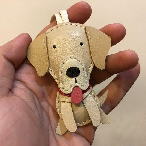 Tamaño pequeño - WeWe el encanto de cuero del zurriago de Labrador (beige)