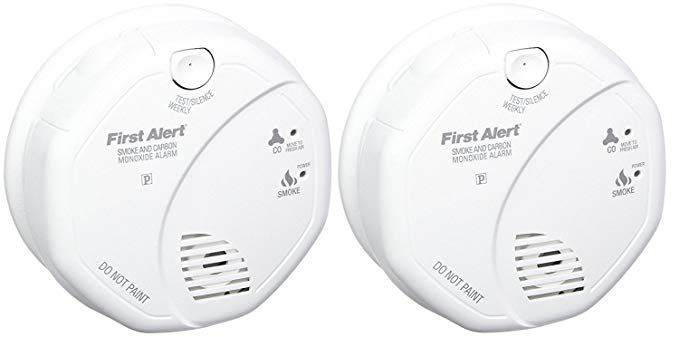 First Alert Sco5cn Combination Smoke And Carbon Monoxide Alarm Battery Operated 2 Pack Rev Carbon Monoxide Alarms Battery Operated Carbon Monoxide Detector