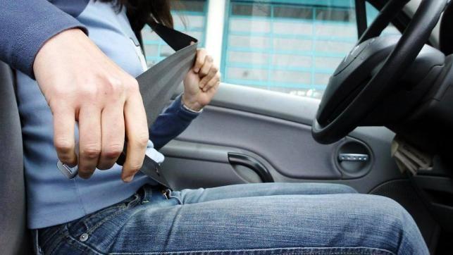 Campaña de control del cinturón de seguridad, también, en la capital, a partir de mañana