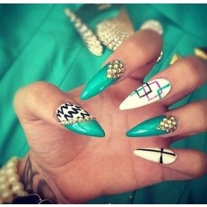 i've never tried stilettos nails before.. but these really made me want too ....these are soo cute!!