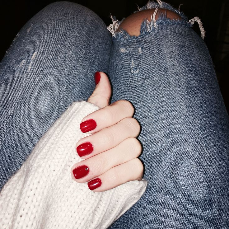 Red gel nails. Christmas mood