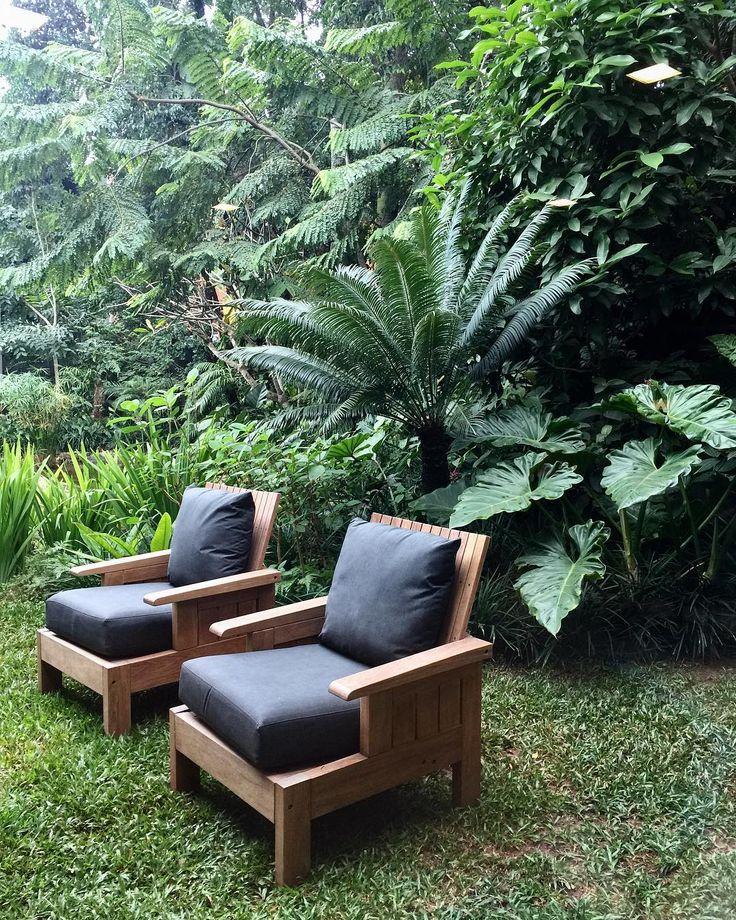 Poltronas de Carlos Motta no jardim incrivel, por Rodrigo Oliveira, na Dpot. @rodrigooliveira_paisagismo @dpotbrasil #carlosmotta #design #designbrasileiro #braziliandesign #instagood #bambooinstagram