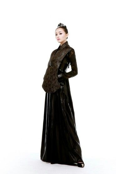 www.yeoback.com Korean Fashion House YEOBACK Fashion Hanbok~♡