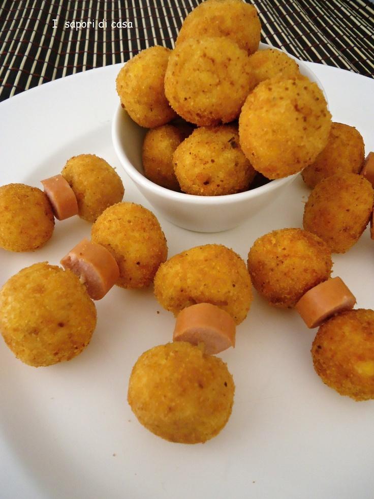 Polpettine di polenta e formaggio - giallozafferano.it