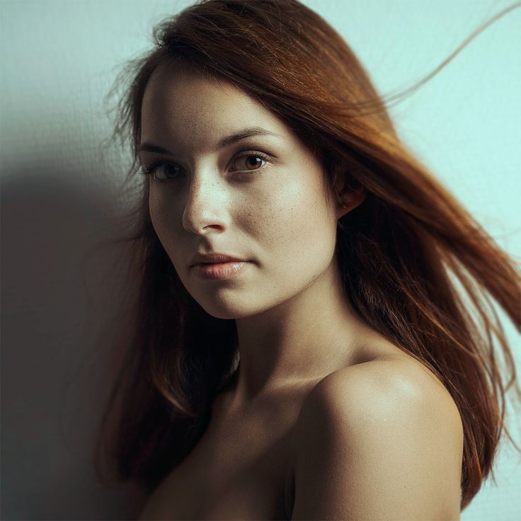 more on http:jenzflare.de #Eyes #Face #Hair #Light #Lips #Nude #Portrait #Red #Retouching #Studio #Wall