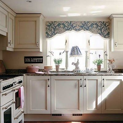 kitchen curtains: Kitchens Window, Cottages Kitchens, Cottages Style, Cabinets Colors, Kitchens Curtains, Country Cottages, Kitchens Ideas, Window Treatments, Cottages Interiors