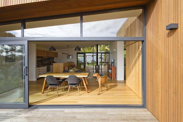 Piha House — Milieu