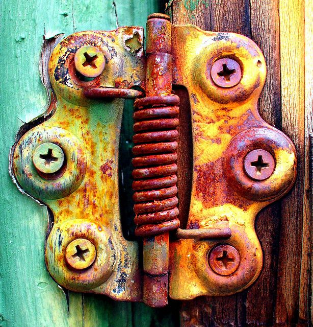 Old Hinge on Old Screen Door by I Luv Cameras, via Flickr....be still my heart!