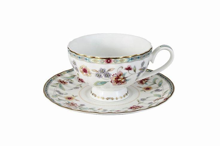 Чашка с блюдцем из костяного фарфора «Грейс»      Бренд: Colombo (Китай);   Страна производства: Китай;   Материал: костяной фарфор;   Коллекция: Грейс;   Объем чашки: 210 мл;          #bonechine #chine #diningset #teaset #костяной #фарфор #обеденный #сервиз #посуда  #обеденныйсервиз #чайныйсервиз #чайный  #чашка #кружка #набор #сервировка #cup #mug #set #serving #tea #чай