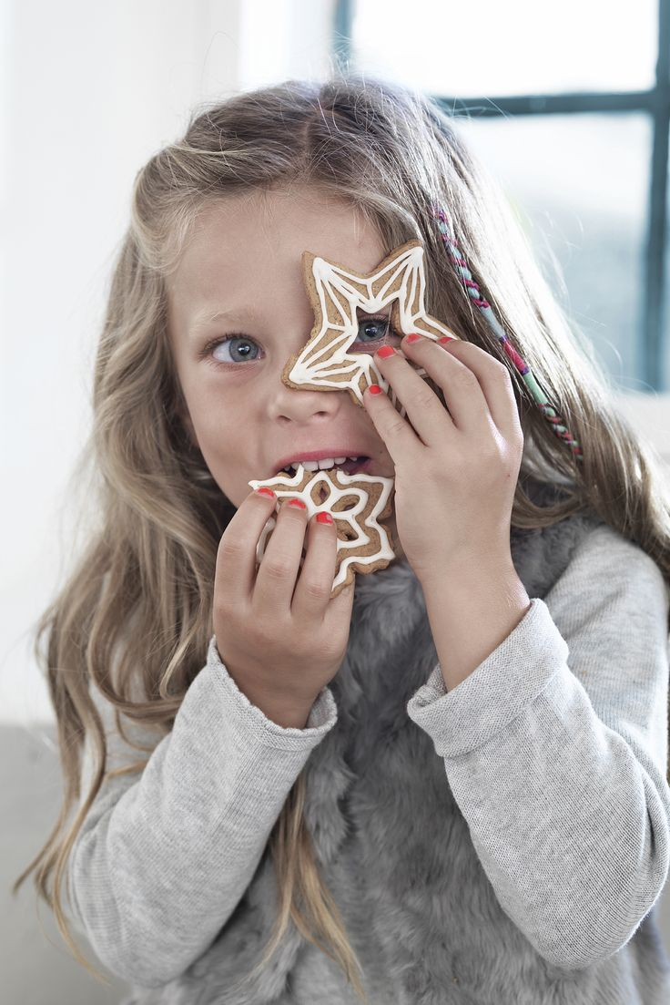 Gingerbread cookies for the little helper www.pandurohobby.com Christmas Decor by Panduro #christmas #decoration #DIY #gingerbread #star #pepparkakor #pepparkaka