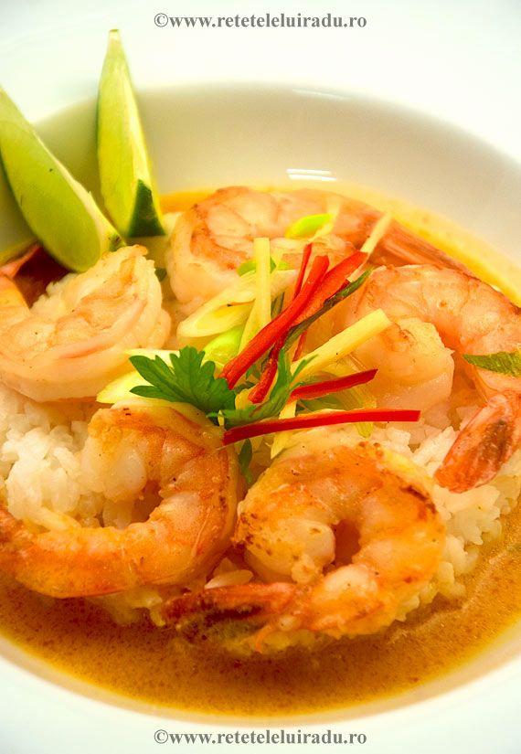 Am gatit reteta cu ingrediente asiatice, in stil thailandez. Are gust picant-dulce-citric si arome proaspete si fructate.