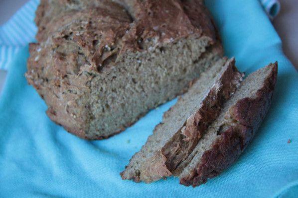 Un peu de boulange aujourd'hui.. avec une recette express... que j'ai préparé dans mon ultra pro 3,5 l ... (mais une autre cocotte conviendra très bien également) un pain prêt en une heure... cuisson comprise.. aussitôt vu chez Capucine.. aussitôt dans...
