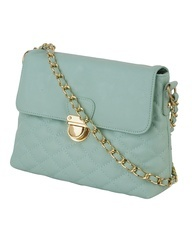 Perfect quilted crossbody and loving the gold accents!