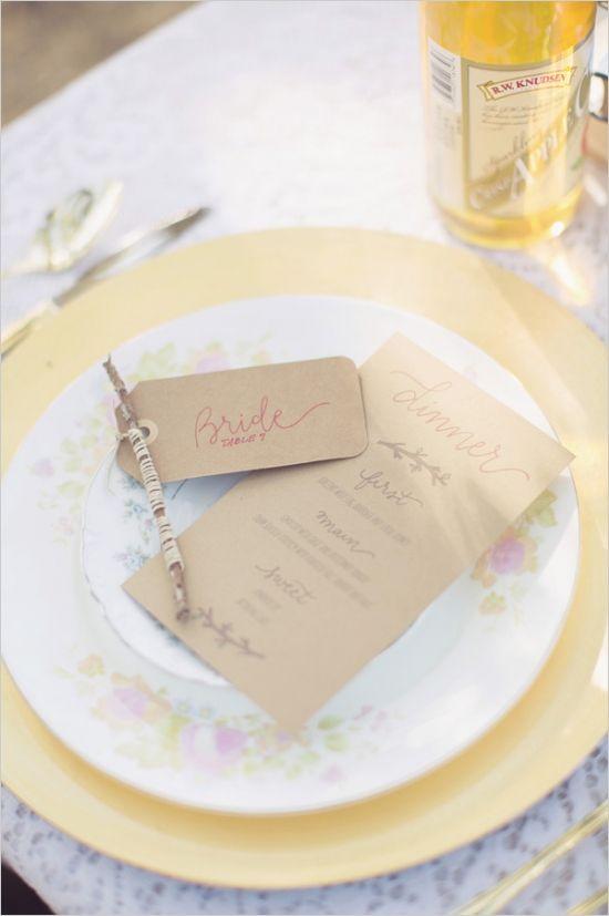 antique china and gold charger table setting #weddingreception #placesetting #weddingchicks http://www.weddingchicks.com/2014/02/24/very-vintage-wedding-ideas/