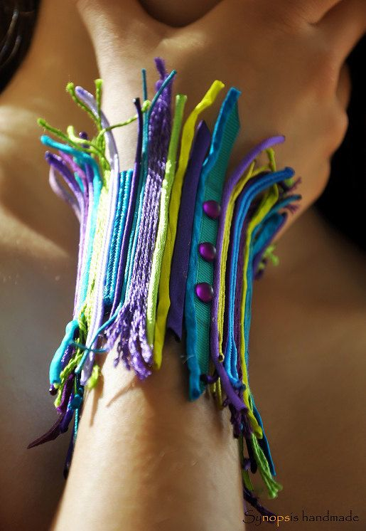 Armband  Manschette türkis  lila Ipsipili von synopsishandmades