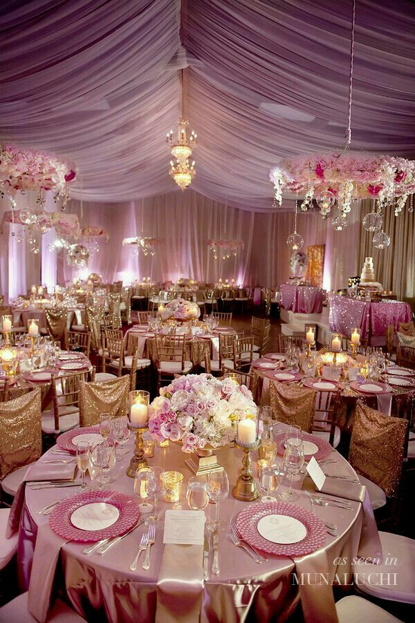 This is a beautiful wedding! My god if I had the money this would be my dream setup!