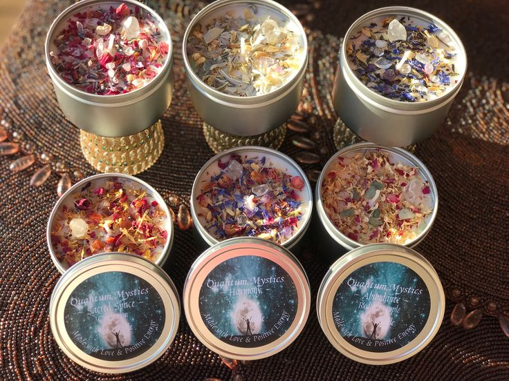 Crystal Candles – Quartz Crystal Point – Tin Candle – Healing Crystals – Aromatherapy – 8oz Soy Candle – Flower Petals – Intention Candle