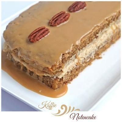 Koffie notencake (cake) Staat de koffie of thee al klaar? Deze taart is er heerlijk bij. Dit recept is origineel van Jamie Oliver. Is vol van smaak, door de combinatie koffie en noten.
