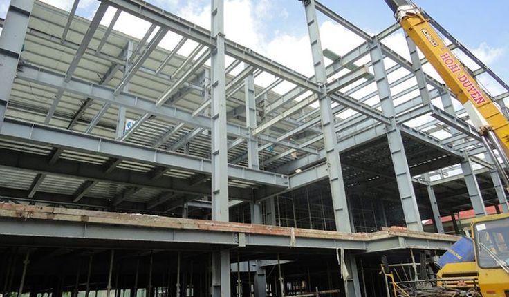 Nhà thép tiền chế được ứng dụng vào nhiều lĩnh vực bên cạnh xây dựng nhà xưởng công nghiệp, thì nó còn phục vụ vào việc xây dựng các công trình dân dụng, thương mại. Nhà hàng tiệc cưới Bến Tre là một trong những ứng dụng nổi bật ấy.