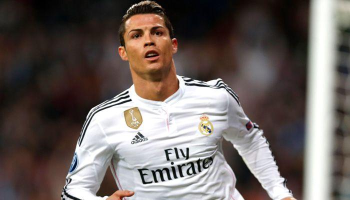 """Kahn contro Ronaldo: """"Vedo più i suoi addominali che il seno di mia moglie..."""" - http://www.maidirecalcio.com/2016/04/11/kahn-ronaldo-vedo-piu-suoi-addominali-seno-mia-moglie.html"""