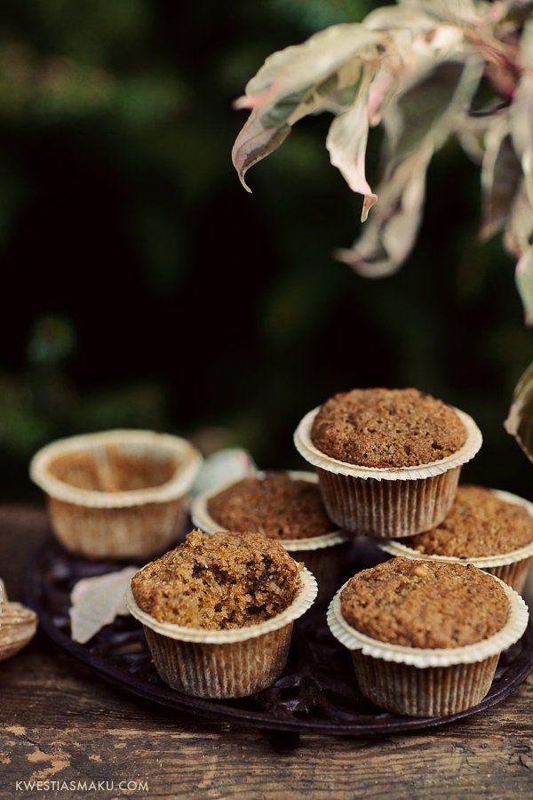 Razowe muffiny z dynią, orzechami i rodzynkami