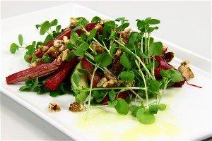 Rabarber - avocado salat. Såå lækker!