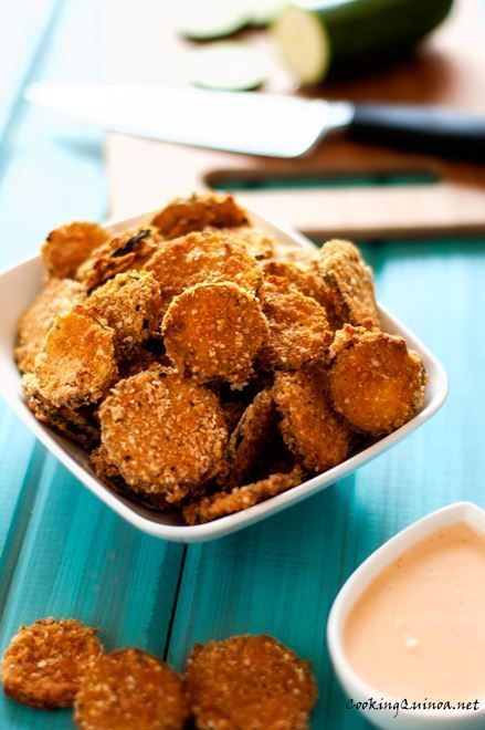 Quinoa Baked Zucchini Chips with Sriracha Dipping Sauce via @wendypolisi