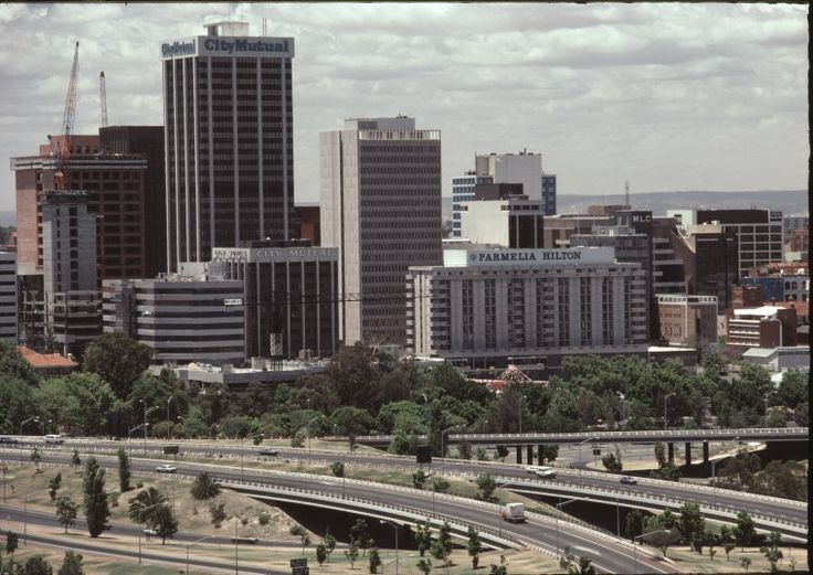 136856PD: Perth from Kings Park, 1985 https://encore.slwa.wa.gov.au/iii/encore/record/C__Rb2847954