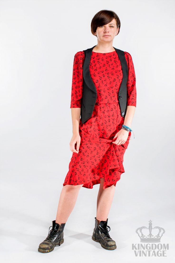 sukienka w różyczki in red od Kingdom of Vintage