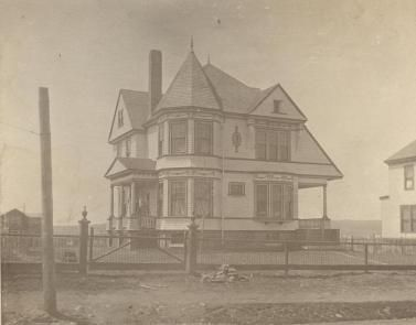 House at Willow Park, designed by A. F. Welton ca. 1900 - the Willow Park subdivision was between Windsor and Oxford streets and Young and Vienna streets.