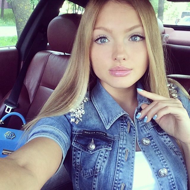 of Nude same girl selfies