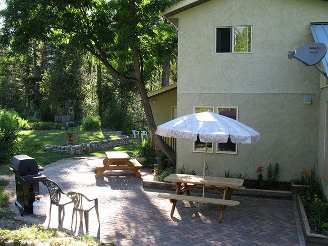 The Patio at Paradise Valley Lodge
