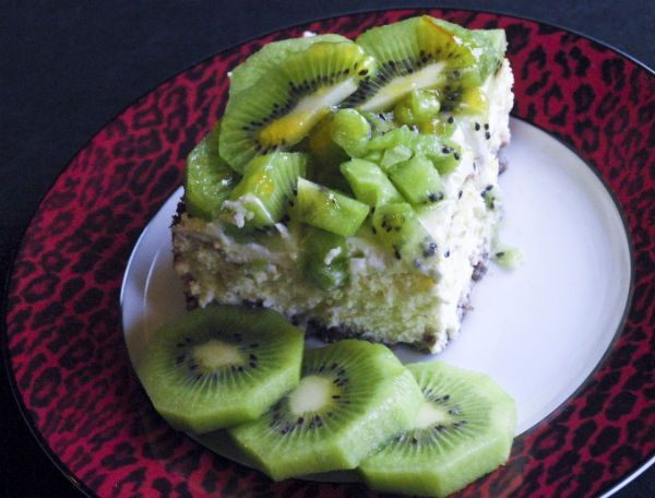 kiwi cheesecake - colored with some spinach leaves - brilliant!