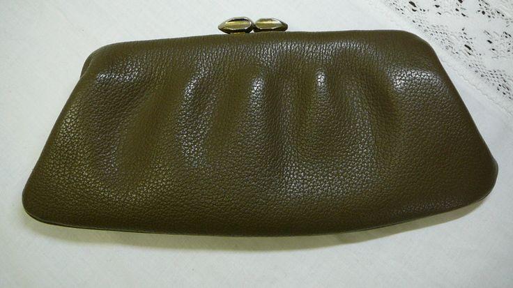 Vintage Clutches - Vintage Clutch mit ausklappbarer Handgelenkschlauf - ein Designerstück von bluetenglanz bei DaWanda