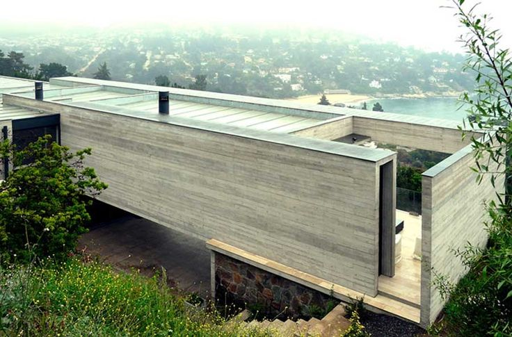 A house in Zapallar, V Región, Chile, by architects Pilar García A., Carolina Portugueis W., Martín Labbé P.