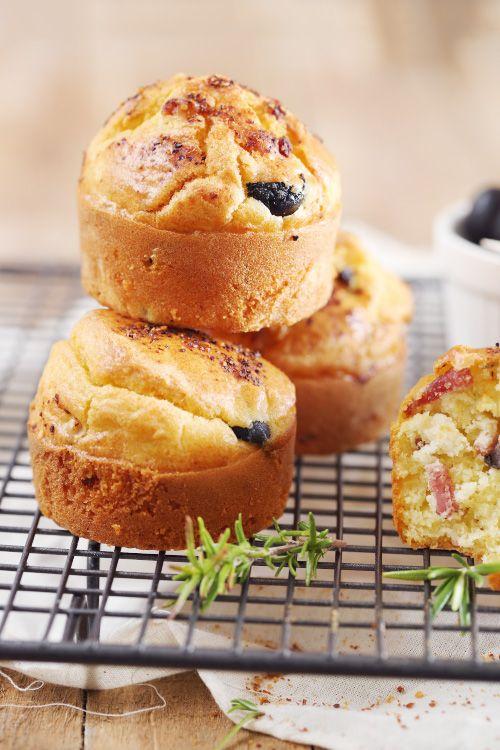 Petits gâteaux au yaourt aux lardons et aux olives