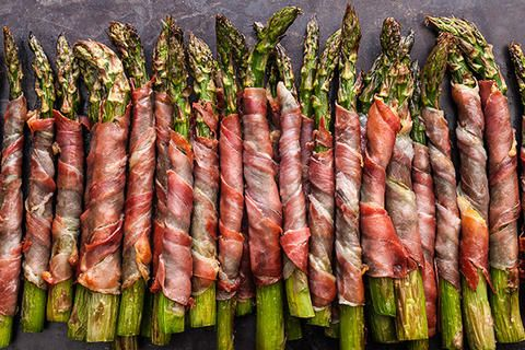 Crispy Prosciutto-Wrapped Asparagus spread a little cream cheese on the prosciutto before wrapping it yumm!