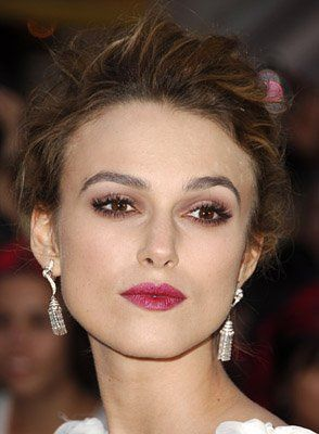 Keira Knightley at event of Pirates of the Caribbean: Dead Man's Chest - Berry lips and soft smokey eyes