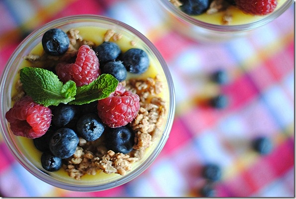 Eat Yourself Skinny!: Lemon Curd with Mixed Berries