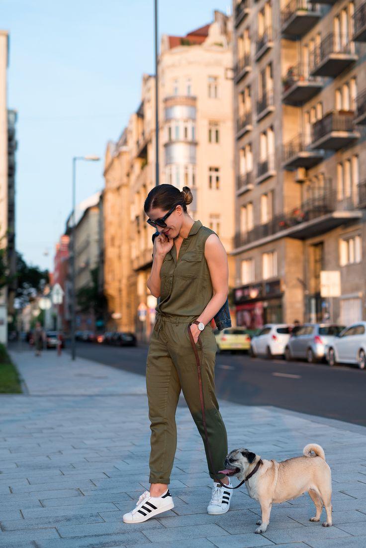 Jumpsuit: H&M | Sneakers: Adidas | Sunnies: Céline | Denim Jacket: GAP | Watch: Daniel Wellington.