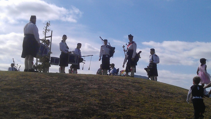 NEW ZEALAND BAGPIPERS - One cool moment was on the last hill of the Fruitloop event. We could hear bagpipe music at a distance, rounded a corner and perched on the hilltop were bagpipers in full costume serenading us to the Finish Line. A scene out of a movie! More here…