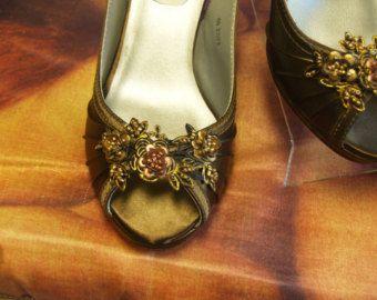 Boda Slingback zapatos de tacones de color Chocolate 2 1/2 pulgadas adornan cooper oro marrón